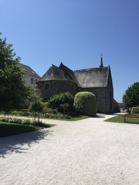 1. Lezardrieux church garden 25.5.17.